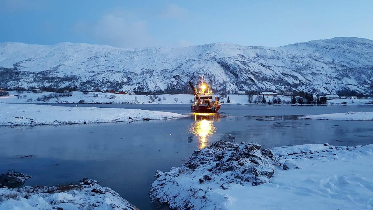 Helgeland Kraft legger ny sjøkabel ut til Hamnøya.