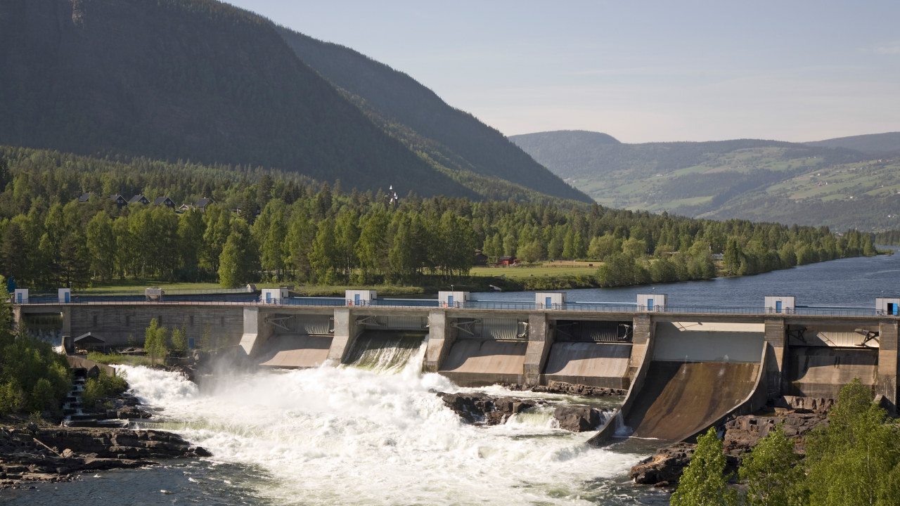 En liten vannkraft dam. Foto