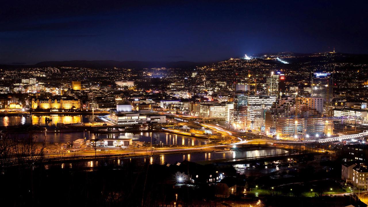 Oslo skyline om natten