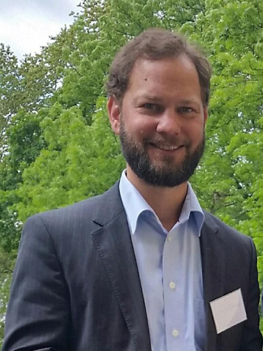 Professor Henrik Bjørnebye ved universitetet i Oslo og næringspolitisk rådgiver Knut Kroepelien i Energi Norge