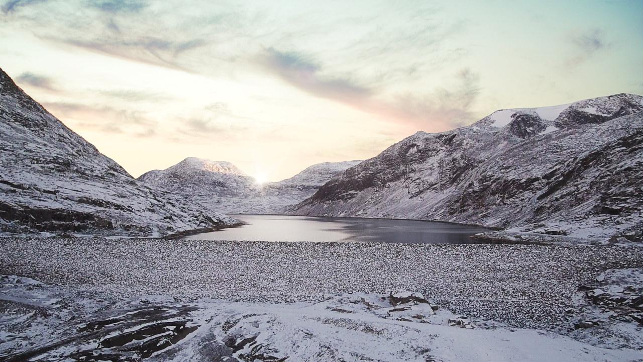 Foto: Sildvikdammen om vinteren med snø