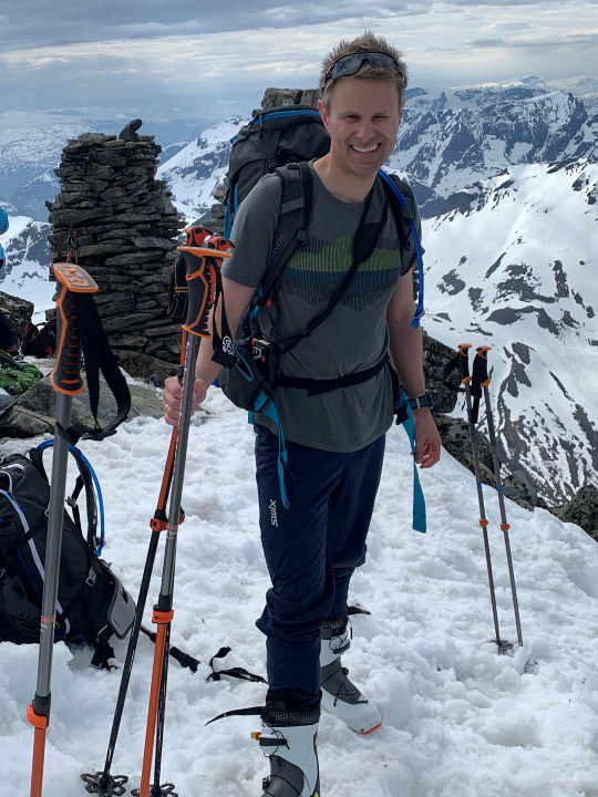 Øystein Vikingsen Fauske på ski. Foto